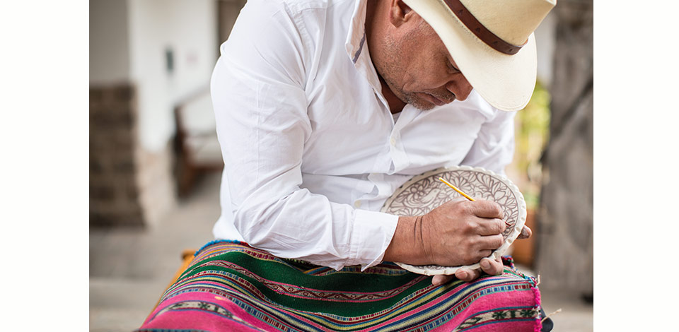 Create a ceramic sensation with a Peruvian pottery painting master in Cusco